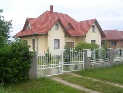 Czir�ki Apartmanh�z Balatonszentgy�rgy