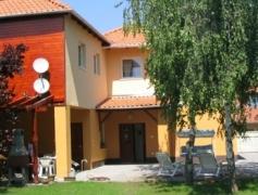 Ilona Apartmanház Komárom