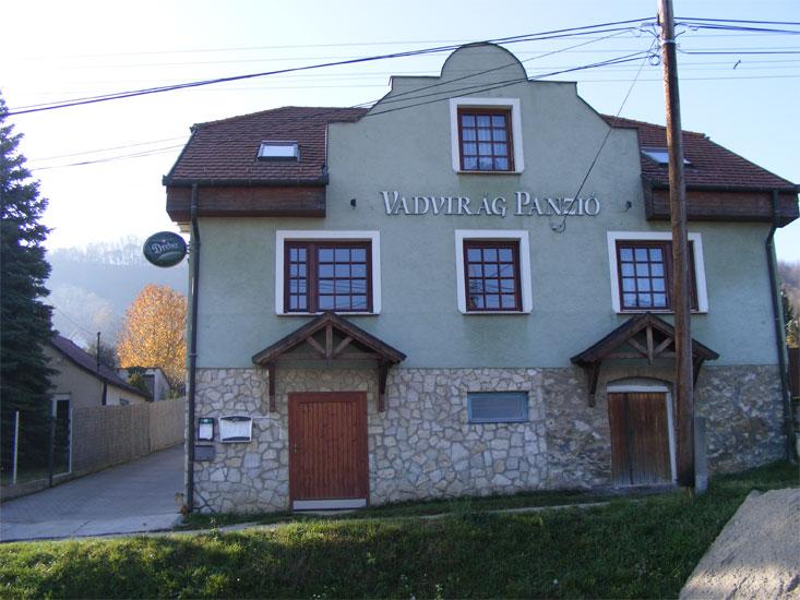 Vadvirág Panzió és Étterem Dunaalmás