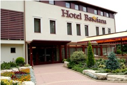 Hotel Bassiana S�rv�r