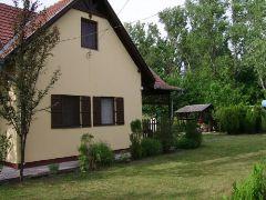 Szász Vendégház Sarud