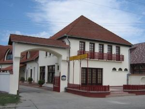 Napfény Motel Baja
