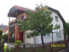 Sipos Apartmanház Balatonfenyves